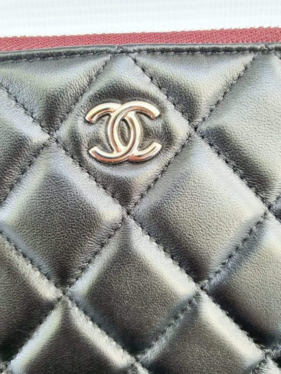 Authentic Chanel clutch consign