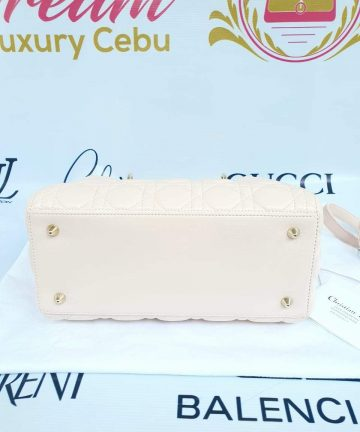 Authentic Lady Dior In light pink medium size preloved price