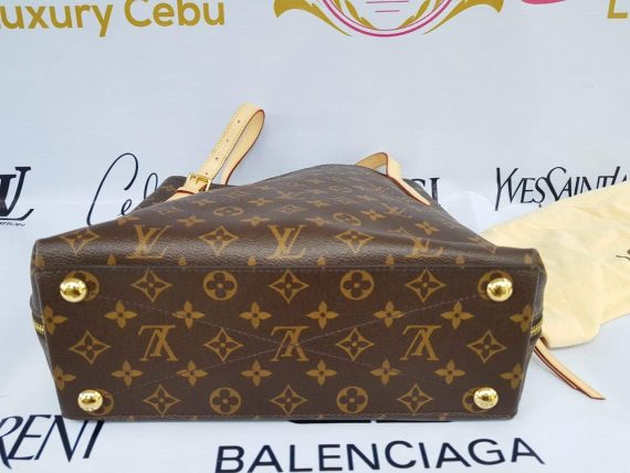 Authentic Louis Vuitton Voltaire sell