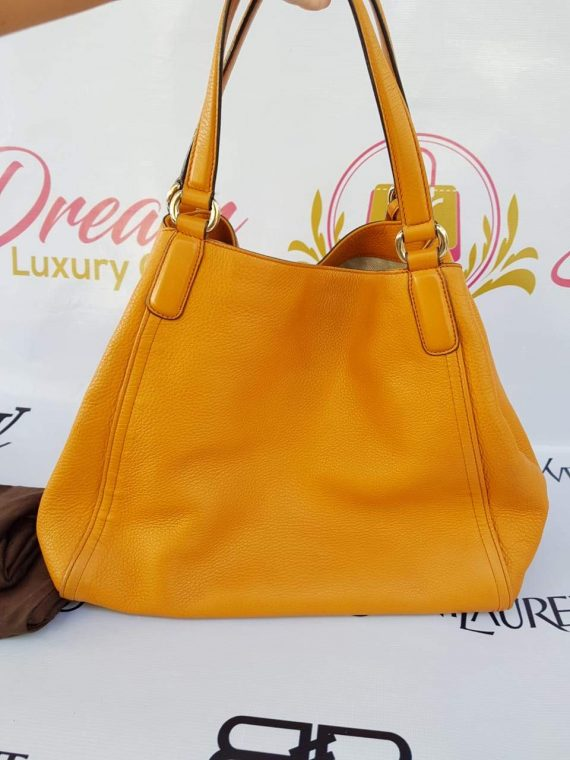 Authentic Gucci soho hobo  medium in tangerine buy and sell