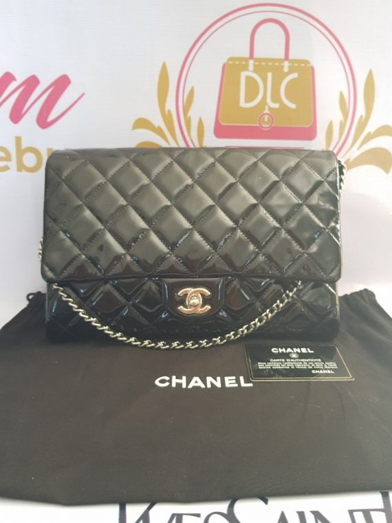 Authentic Chanel jumbo clutch black patent in silver hardware series 17 philippines